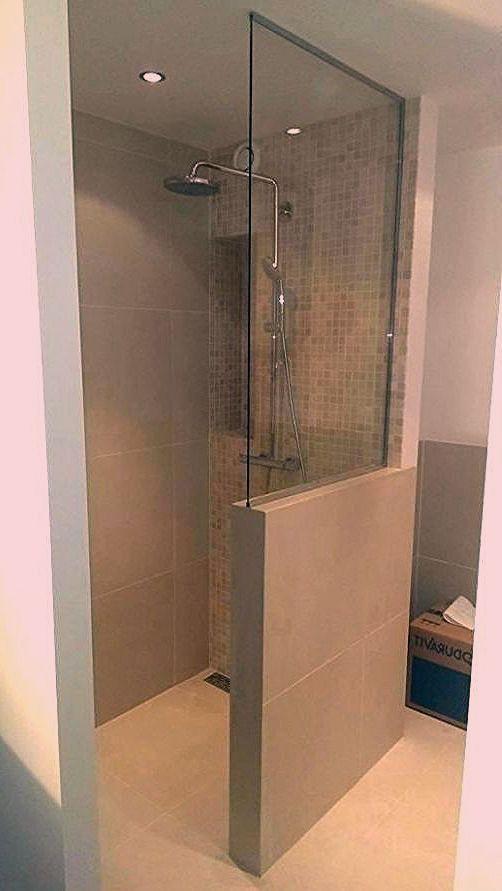 Badezimmer Ideen Begehbare Dusche Badezimmer B Badezimmer Begehbare In 2020 Begehbare Dusche Modernes Badezimmerdesign Dusche