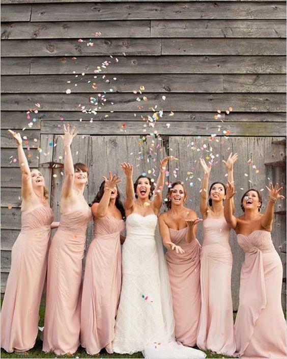 VIERNESSSS!! Al mal tiempo buena cara, coge a tus amigas, a tu novio, a tu perro o a tu gato y a disfrutar del fin de semana! #unabodaoriginal #boda #bodas #wedding #blogdebodas #damashonor #bridesmaids http://www.unabodaoriginal.es/blog