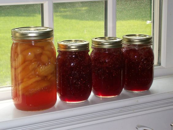 Canning Peaches and Raspberries