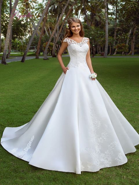 Ever-Pretty Plus Wedding Gown V-neck Lace Bridesmaid Dresses A-Line Maxi 07686