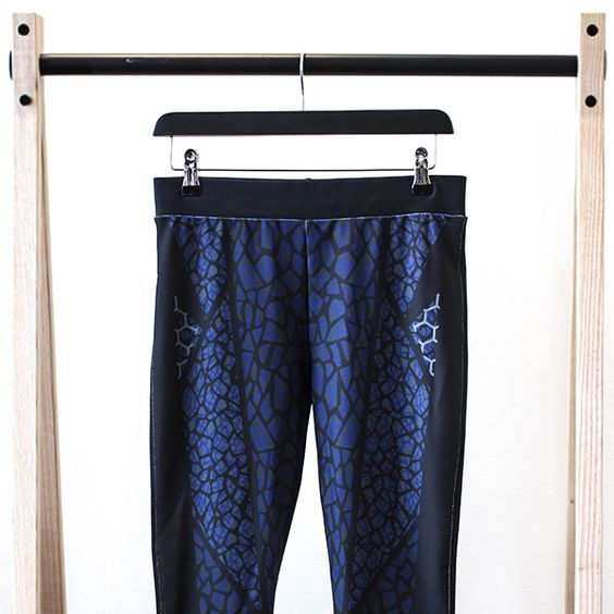 Have you got our best selling Jaguar Print Legging, yet?  ||  The sophisticated print design is perfect for taking you from workout to lunch date. Designed with a special, continuous internal drawcord so there are no loose ends or any worry over the cord popping out during washing.