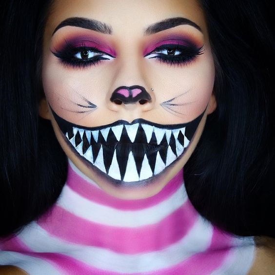 """""""Cheshire Cat Halloween makeup look! I also filmed a tutorial !  The link is in my bio ✨ This look was so many layers but it looked so simple lol I saw a…"""""""