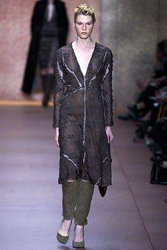 Fendi Fall 2002 Ready-to-Wear Fashion Show - Karl Lagerfeld