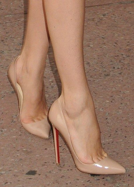 I prefer beige high heels that come into a point like this! No no ...