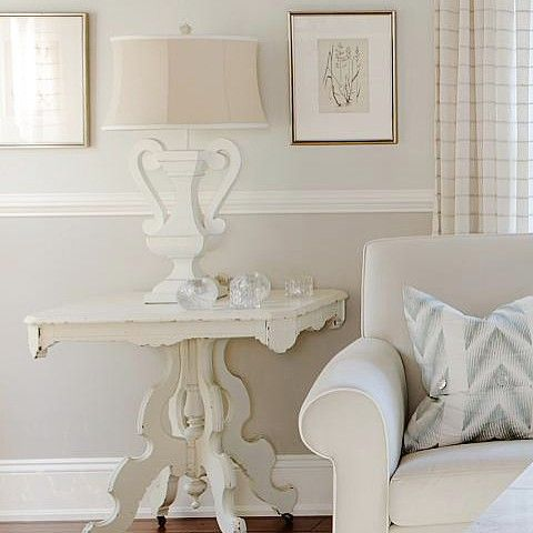 Trim details and interesting architectural features add huge value and impact to a home, but what if yours is bland and boring? Embellish and get creative! By installing inexpensive exterior panelling, high baseboards, chair rail, and even crown moulding, you can make your home look like a designer masterpiece. #sarahstyle #getinspired (photo: @staceysnaps) www.sarahrichardsondesign.com