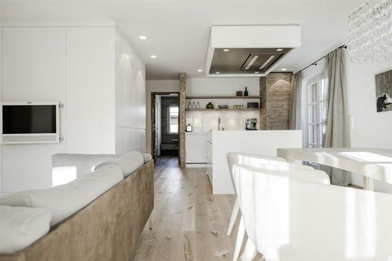 offenes wohnzimmer ideen:Modernes Wohnzimmer mit offener Küche