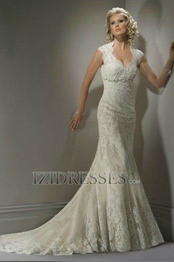 Sheath/Column V-neck Lace Wedding Dress - IZIDRESSES.COM