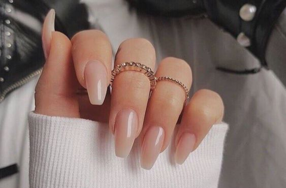 The Edit Our Favourite Minimalist Manicures Natural Fake