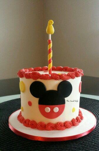 Mickey smash cake!