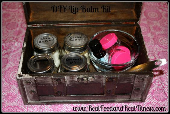 Quick and Easy DIY Lip Balm Recipe.  I made it using organic ingredients