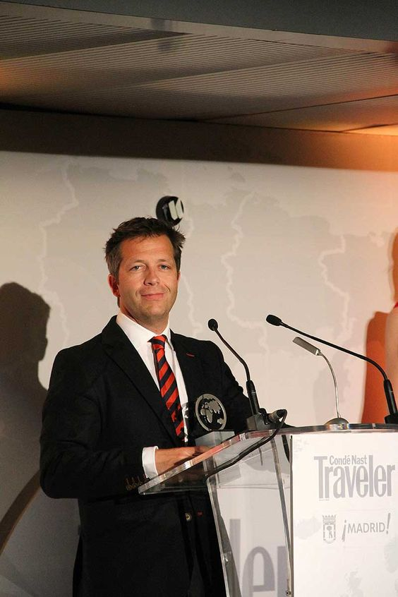 Acceptance speech by Juan Rodero, General Manager of Un Mundo de Cruceros, Crystal Cruises GSA, on receiving the award for Best Cruise Line at the Conde Naste Traveler Awards, Spain.