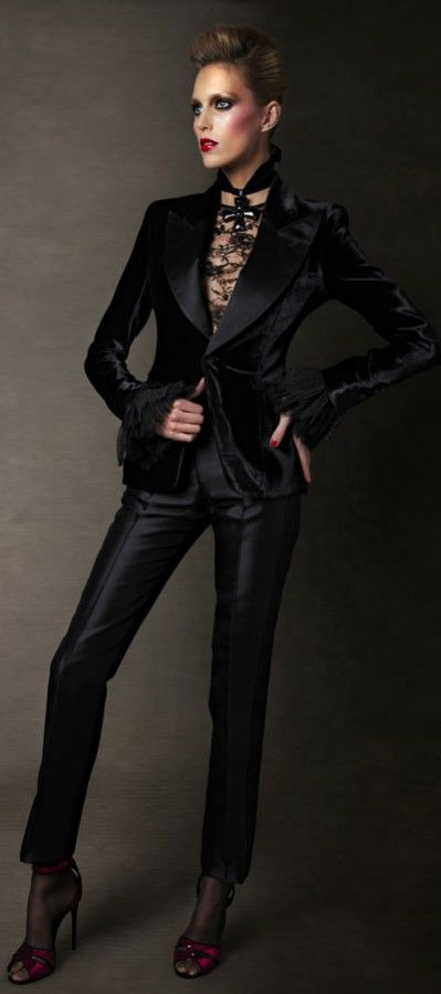 TOM FORD Autumn-Winter 2011-2012 Womenswear Collection (16)