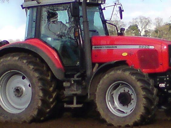 Massey Ferguson 8220
