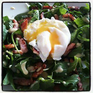 Healthy Lyonnaise Salad, Poached Egg, Rocket, Bacon | food photos ...