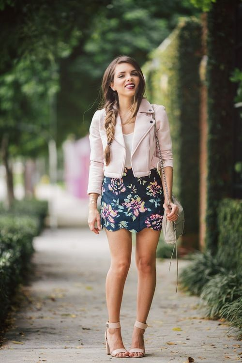 Floral Skirt The Perfect Street Fashion Look !