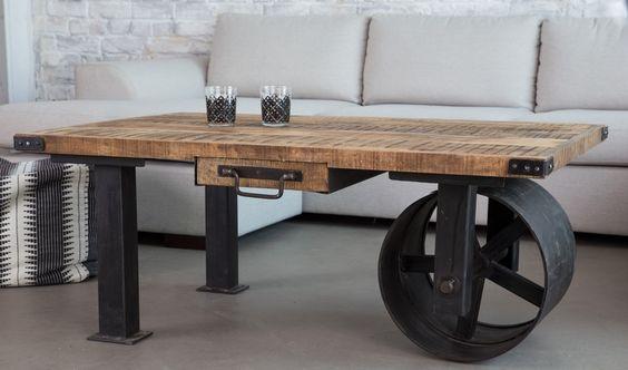 table basse industrielle chariot avec roue carbon et plateau en bois brut par Barak7