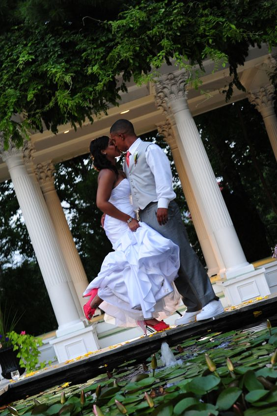 We have booked Jobs for 2500 professional photographers in the last 30 days. Register for Free www.to-be-bride.com/photographer