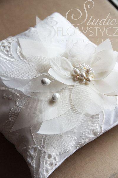 Ringkissen - Romantische Ring KissenII-handmade - ein Designerstück von cuteandunique bei DaWanda