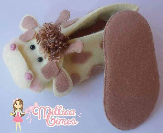 Sapatinhos de nenén girafinha
