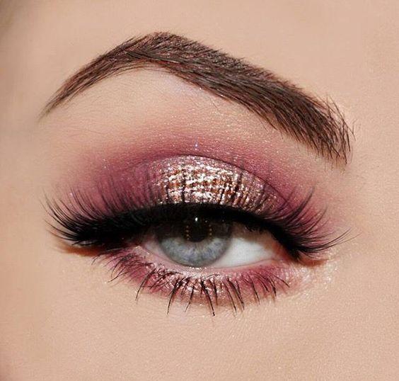 Rose gold and pink metallic eyeshadow look