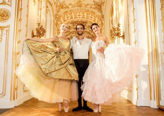 vivienne westwood hapers bazaar   Vivienne Westwood cria figurino para balé de Vienna