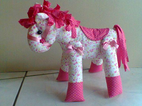 El sueño es vivir, da cuenta de un sueño es ... LA FELICIDAD: tela Pony ... Solicitar Marcia a su hija que aman a caballo ...