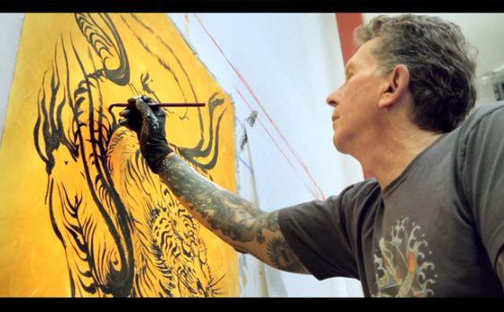 Petit moment de détente et rock and roll avec le légendaire artiste américain Don Ed Hardy dans son studio de San Francisco