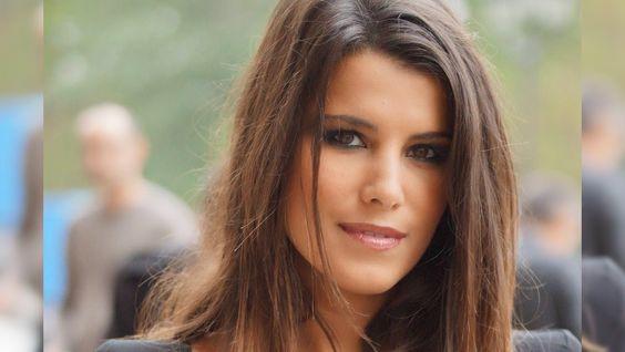 On a l'impression que Karine Ferri est une femme forte qui a toujours le sourire…