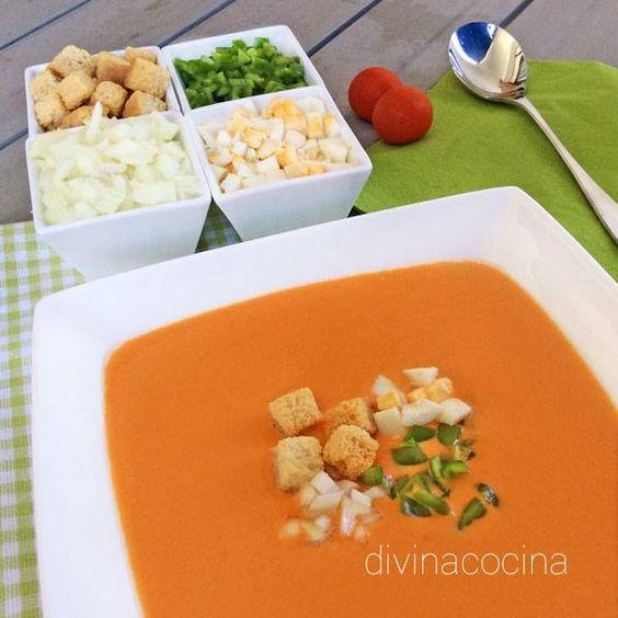 Gazpacho andaluz con su guarnición < Divina Cocina:
