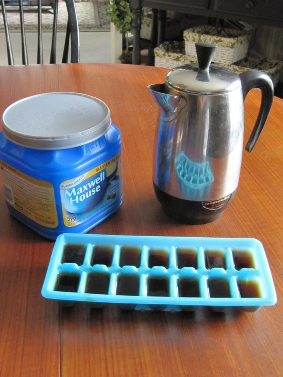 Frozen Coffee Cubes - blend with milk, sugar and chocolate syrup for iced mochas!