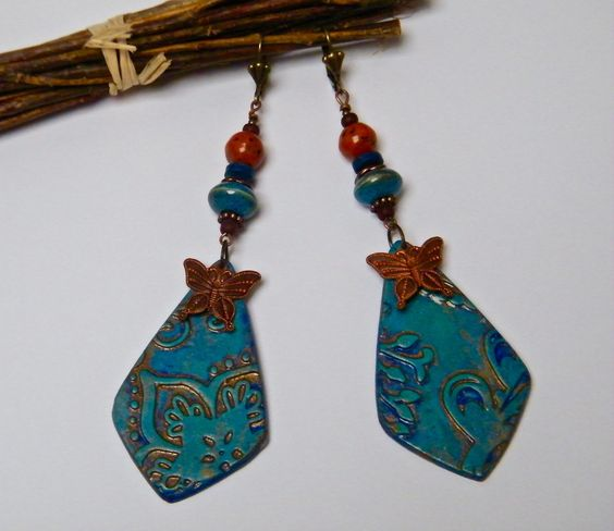 Boucles d'oreilles bleu, boucles d'oreilles pendantes, boucles d'oreilles dormeuses, métal cuivré, céramique, fimo, laiton, verre : Boucles d'oreille par francesca