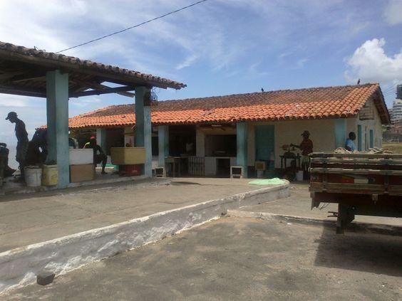 Salvador - Rio Vermelho - O mercado do peixe da casa de Yemanja.