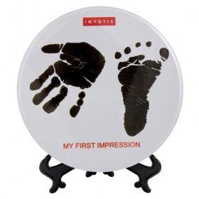 Gipsafdruk van het handje of het voetje van je kindje maken? Deze huidvriendelijke gipsset geeft je de gelegenheid om een mooie herinnering voor later te creëren .