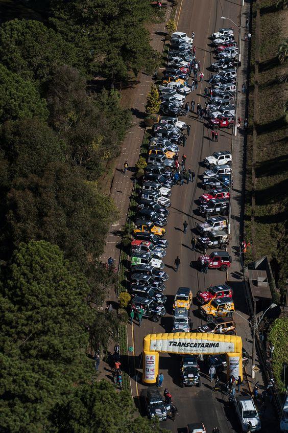O grid conta com mais de 250 carros divididos em oito categorias  (Gustavo Epifanio/DFOTOS)