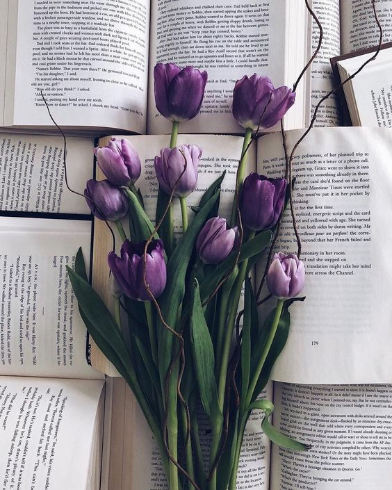 Purple tulips | #flowers #books #flowerart #lilac #purple #nature #photography | www.notjustpowder.com