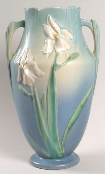 ✿ڿڰۣ(̆̃̃❤Aussiegirl  #China #Charm  Roseville Pottery: