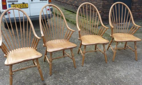 Pinterest de idee ncatalogus voor iedereen - Kitchenette met stoelen ...