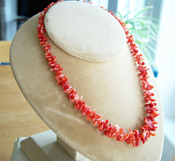 Branch Coral Necklace - 14K Gold Clasp - Red Coral Necklace - Coral Beads - Coral -  Vintage - 1970's by Oldtreasuretrunk on Etsy