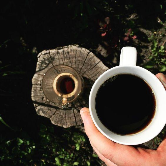 Kawowe popołudnie z #hario #woodneck i Columbia nariño  #coffeegeek #baristadaily #blackcoffee #coffeedesk #coffee #coffeelover #brewslow #brewedcoffee #hariodrip #hariodripper #drip #dripper #coffeedrip #coffeedripper #alternativebrewing #thecoffeelifestyle #blackcoffee #kawa #manualbrew #manualbrewing http://ift.tt/20b7VYo
