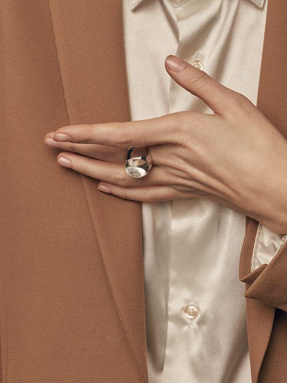 ALMA Аvgvst Jewelry: новая совместная коллекция Натальи Брянцевой и Алены Долецкой | Журнал Harper's Bazaar