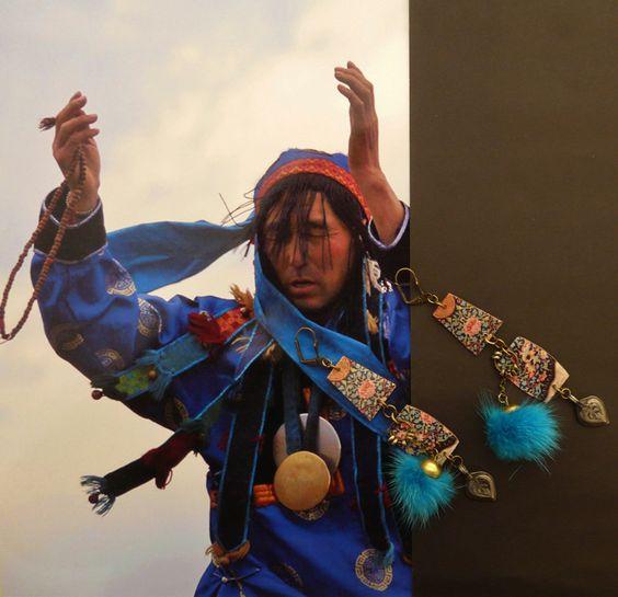 BOUCLES D'OREILLES NOMADES D'INSPIRATION MONGOL ۞ MONGOLIE - TRIBAL - BOHEME - FOURRURE : Boucles d'oreille par fujigirls