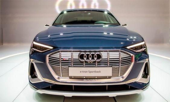 Audi E Tron Sportback Xe Thể Thao Chạy điện Gia 79 000 Usd Audi Thể Thao Xe Tăng