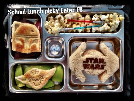 ... Todays turkey/cheddar sandwich, green/red apples, popcorn and a kiss