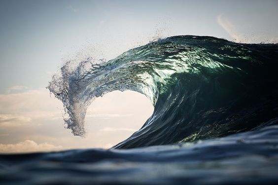 These Ocean Images Are Beautiful and Make Stunning Backdrops