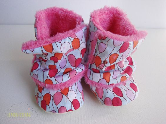 Red Pink Ballons Warm Baby Booties/ Baby boots/ by lemondreamz