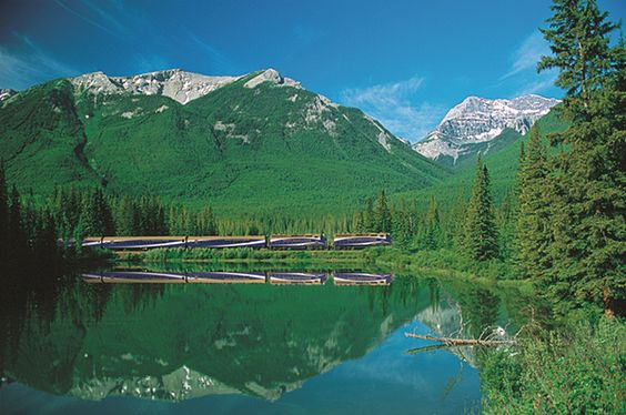 Journey into the wild on an eco-luxe rail route connecting Seattle with the Canadian Rockies | Rocky Mountaineer | Organic Spa Magazine #Train Travel Escapes | #OrganicSpaMagazine