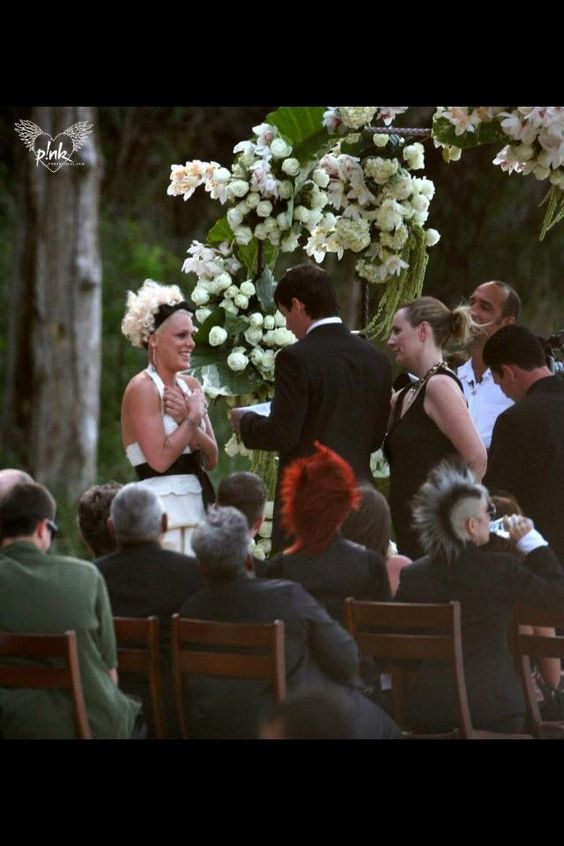 P!nk and Carey's weeding day #4!