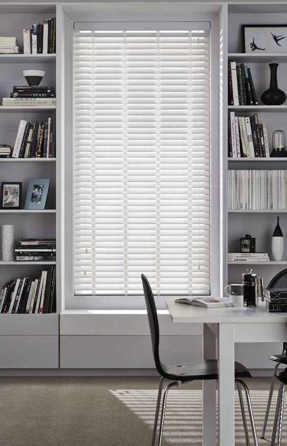7 Creative And Modern Ideas Bamboo Blinds Gray Walls Bedroom