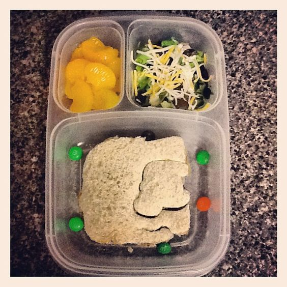 Nutella & sunbutter elephant sandwich w/ M's, Tangerines, Ranch salad.