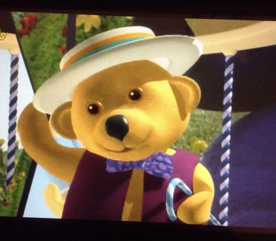 Dancing bear hire-4498